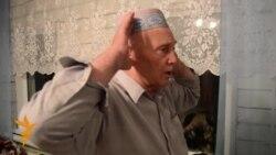 Чуашстанда яшәүче 70 яшьлек татар бабае умарта карап хаҗга йөри