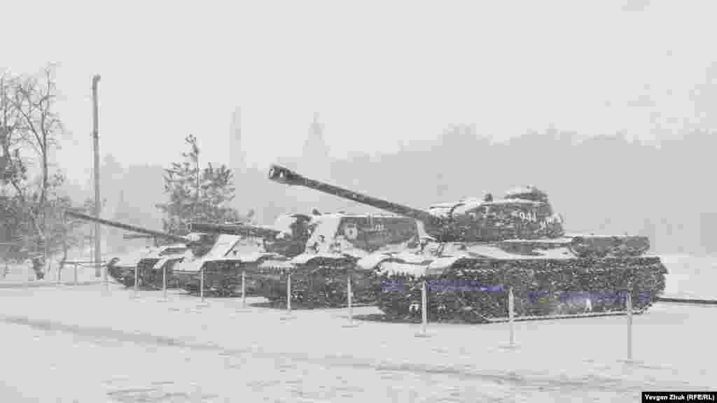 Демонстраційний запуск двигунів танків проводиться при температурі не нижче +15