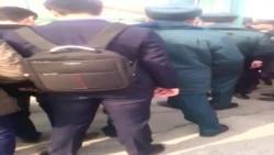 «Сотрудники милиции принудительно удерживали студентов на стадионе»