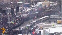Майдан оговтується після нічних сутичок з силовиками