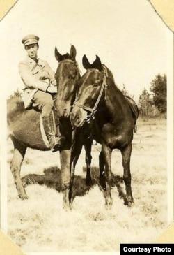 Мелвилл Маккензи в Бузулуке, 1922 год. Фото из семейного архива Эндрю Маккензи