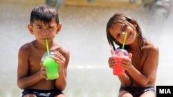 Разладување од скопските горештини