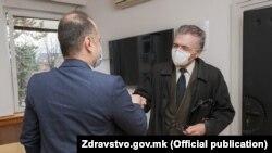 Министерот Венко Филипче и проф. д-р Драган Даниловски на средба во Министерството за здравство, 29 декември 2020