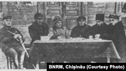 """Fondatorii"" RASSM (de la stânga la dreapta): Gr. Kotovski, G. Buciușcan, Gr. Starîi, I. Badeev"