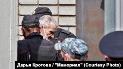 Юрий Дмитриев в петрозаводском суде