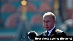 Россия президенти Владимир Путин Ғалаба парадида, Москва, 2020 йил 24 июни.