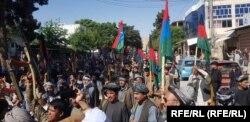 راهپیمایی معترضان مسلح در فاریاب