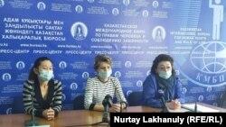 Үстемақы алмағына шағымданған медицина қызметкерлері. Алматы, 8 қазан 2020 жыл.