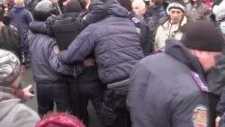 Хода «антимайданівців» завершилася побитими у Харкові