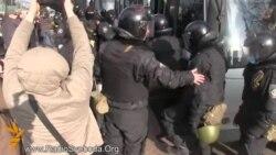 Внутрішні війська поспіхом їдуть з Києва