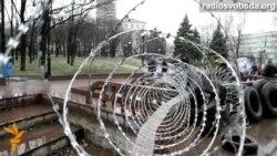 Барикади та наметове містечко у Луганську
