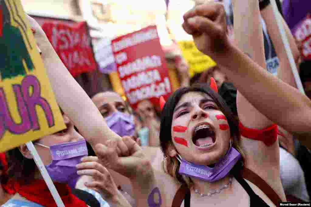 A nemzetközi egyezményből való kilépést követően az már nem biztosíthat a jövőben védelme a török nőknek.Erdoğan török elnök új stratégiát kíván bevezetni.