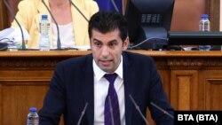 Служебният министър на икономиката отговаря на въпроси на депутати в парламента