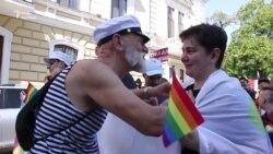 «Марш рівності» в Одесі скоротили через побоювання сутичок із націоналістами (відео)