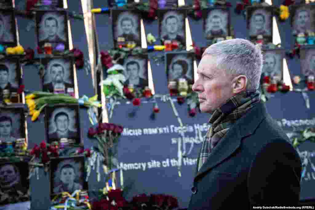 Надзвичайний і повноважний посол Литовської Республіки вУкраїні Вальдемарас Сарапінас під час акції