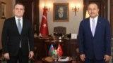 Azərbaycan və Türkiyənin xarici işlər nazirləri Ceyhun Bayramov (solda) və Mevlüt Çavuşoğlu