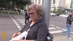 Protestë e çuditshme e gruas kazake