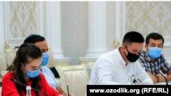 20 шілде күні Әндіжан әкімдігінде өткен брифинг кезіндегі журналистер.