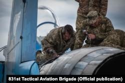 Україні необхідно обирати заміну для радянських літаків, адже несправності техніки виникають усе частіше, кажуть фахівці