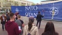 Milačić spalio zastavu NATO-a
