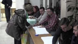 Serbs Cast Ballots in Parliamentary And Local Elections