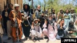 گسترش ناامنیها در ولایت هرات مردم را به خریداری اسلحه وادار کرده است.