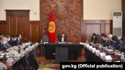 12-октябрь, 2020-жыл. Бишкек шаары. Өкмөттүн gov.kg сайтына жарыяланган сүрөт.
