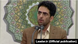 Mohammad Ali Kamfiruzi speaks at the meeting with Iran's supreme leader in 2016.