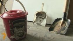 Stalinin rəsmini vedrəyə çəkən rəssam