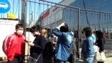 Лишившиеся дохода торговцы в Уральске требуют открыть рынок