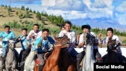 Вандык кыргыздар арасында көк бөрү мелдеши.