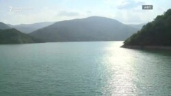 Езерото кое ги спојува и дели Косово и Србија