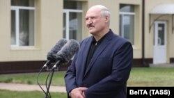 Лукашенко: ми у себе цей мільярд доларів, домовившись із Росією, залишимо. І це буде хороше підсилення нашої національної валюти