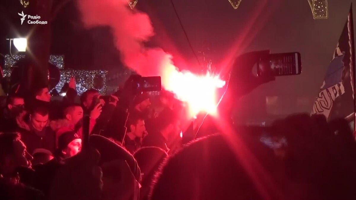 В Белграде протестовали перед Посольством Черногории через закон о религии – видео