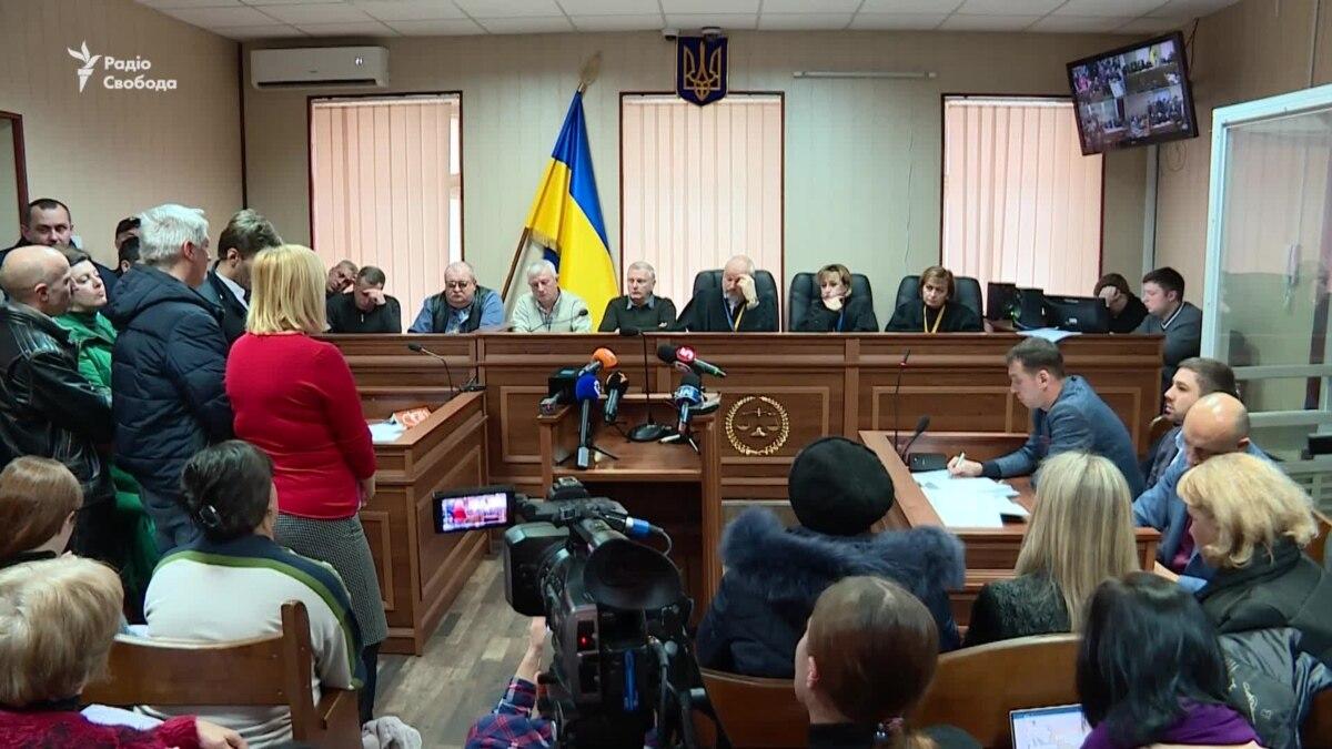 Адвокаты ексберкутівців заступились за новую группу прокуроров по делу – видео