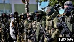 Специјалните трупи на белоруската армија ја демонстрираат својата опрема и оружје, додека белорускиот претседател Александар Лукашенко ја посети воената база во градот Мaрина Хорка, 24 јули 2020 година
