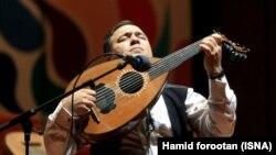 مجید ناظمپور، موسیقیدان و نوازندهٔ عود، بهمن ۱۳۹۳