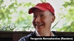 Валерий Цепкало сайловолди жараëнидан четлатилиши ортидан Беларусни тарк этган.