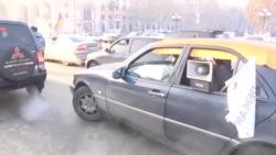 Yerevanda sürücülər yolları bağladılar