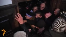 Протести во Молдавија, антитерористички вежби во Киргистан