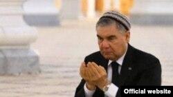 Гурбангулы Бердымухамедов.