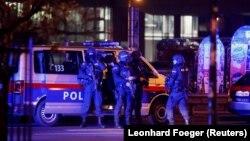 პოლიციელები ვენის ცენტრში