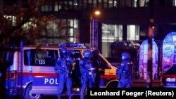 هزار پرسونل امنیتی در عملیات برای ردیابی حمله کنندگان در اتریش به کار گماشته شدهاند
