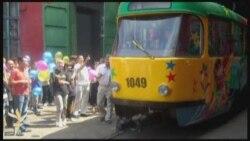 В Алматы запустили старый трамвай