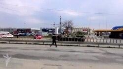 Tehnica militară rusă trece prin Simferopol spre nordul Crimeii