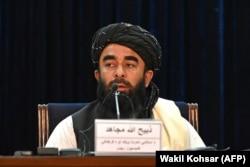 ذبیح الله مجاهد وايي، چې د افغان ولس له ضرورتونو سره سم یوه سرپرسته کابینه جوړه شوې.