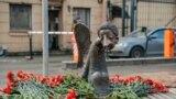 Памятник погибшим медикам в Петербурге. Фото пресс-службы правительства города