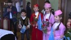 Мустафу Джемілєва привітали в сімейному колі (відео)