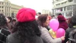 8 Martda qadın aksiyaçılara hücum çəkən 'sıravi vətəndaşlar' (Geniş reportaj)