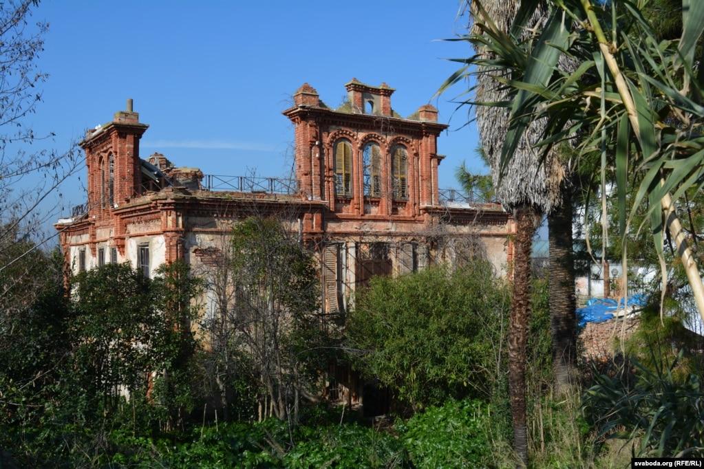 Руины дома Льва Троцкого на острове Бююкада